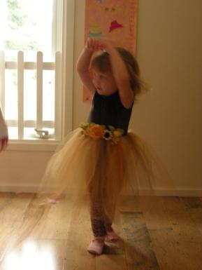 md83-Ballet-Pose-2010