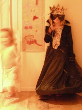 md84-Queen-Nel-Halloween-2010