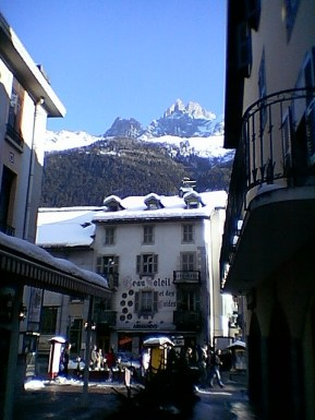 tr-cham3-Alpine-Buildings-Chamonix