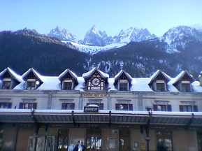 tr-cham6-Chamonix-train-station