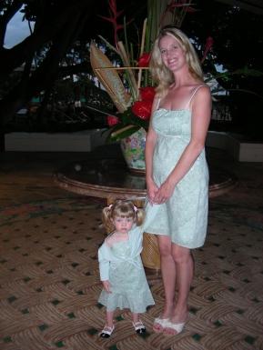 tr-haw3-2008-Four-Months-Pregnant-Cinnamon-Girl-dresses