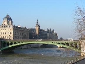 tr-par11-River-Seine