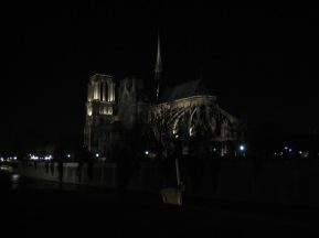 tr-par17-Notre-Dame-by-Night