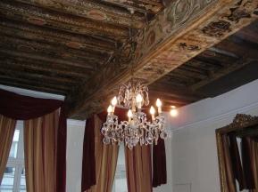 tr-par28-Ceiling-of-apartment