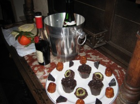 tr-par28-Dinner-Party-Dessert