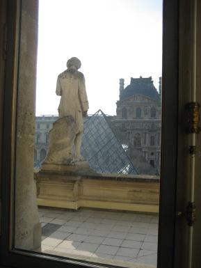 tr-par6-From-Inside-The-Louvre