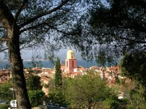tr-prov25-View-over-St-Tropez