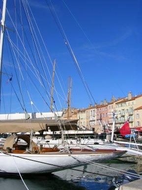tr-prov26-Sleek-St-Tropez